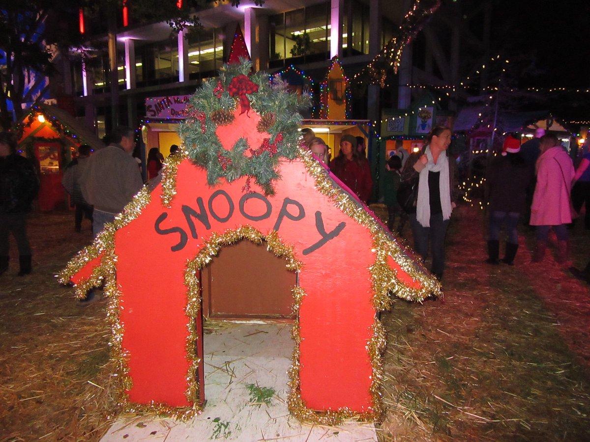 SnoopyHouse on JumPic com