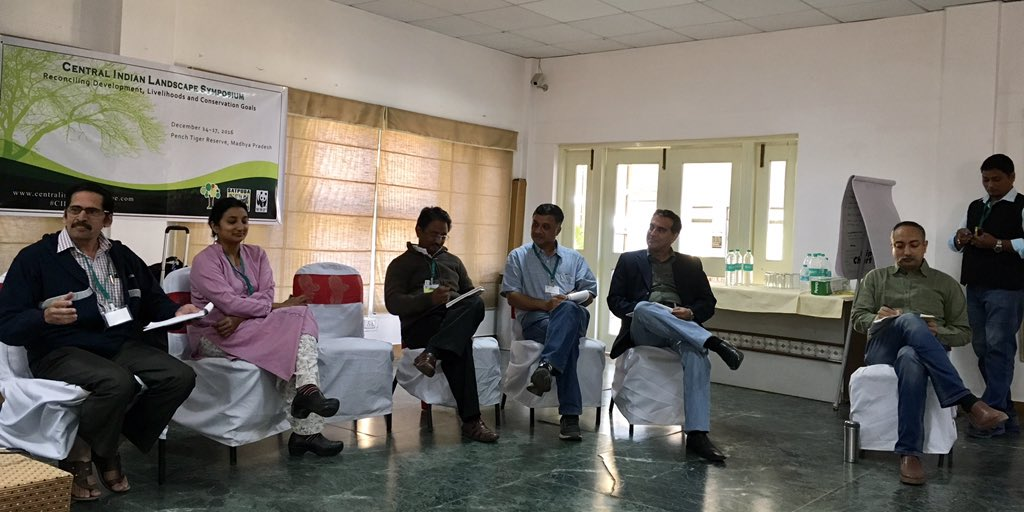 Experts from IISER Pune, @NCBS_Bangalore, @satpuda2012, @ril_foundation, @WWFINDIA weighing in on achieving #SDGs #CILS2016 @Conserving_CI https://t.co/aYLK6FDq0j