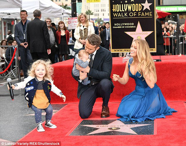 Blake Lively&#39;s eldest daughter with Ryan ... -  http://www. brazilbumbum.com/blake-livelys- eldest-daughter-with-ryan-reynolds-is-spitting-image-of-her-mom/ &nbsp; …  #Blake-Lively #ITV #Paris-Hilton #Ryan-Howard #Spitting-Image<br>http://pic.twitter.com/Ra7Suwp3pn