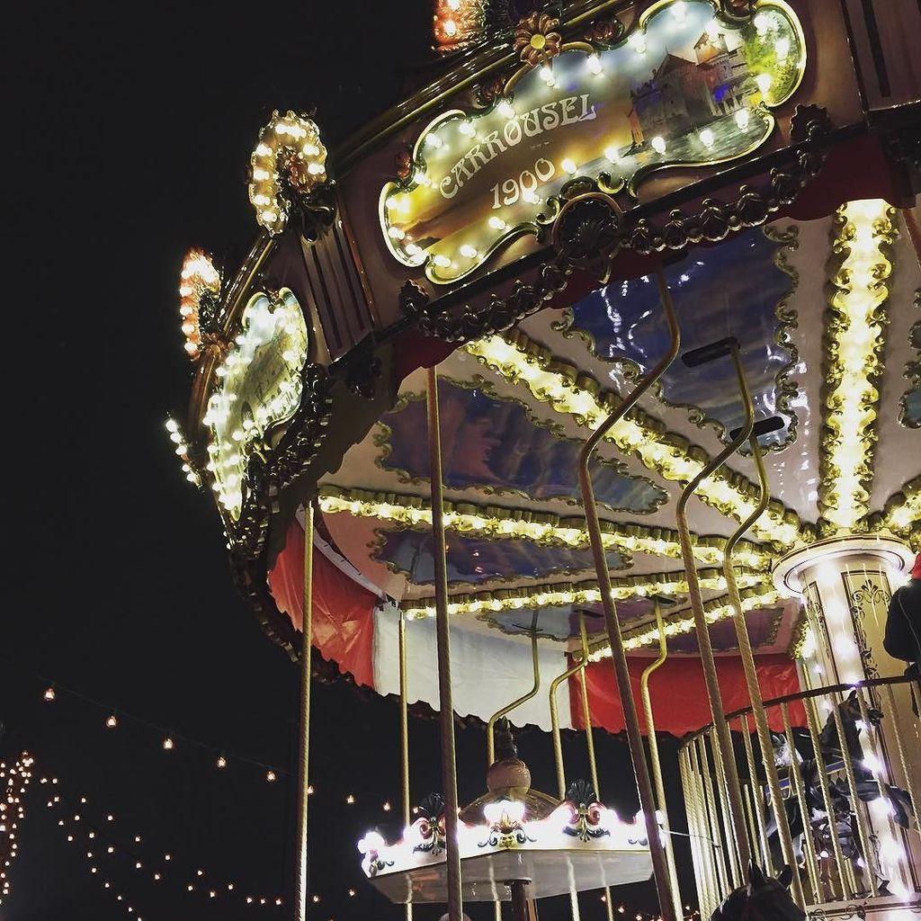 Weihnachtsmarkt W.Simonejordi On Twitter Weihnachtsmarkt Carrousel Karussel