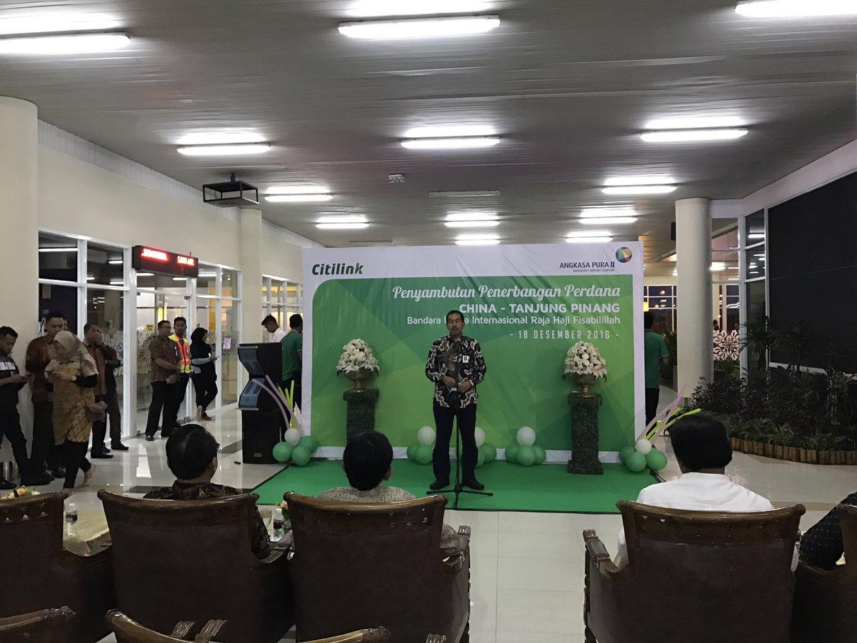 Penyambutan penerbangan perdana China - Tanjung Pinang @AngkasaPura_2 @mawaluddin https://t.co/e9yMqtQeWX