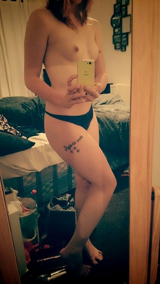 Nude Selfie 9839
