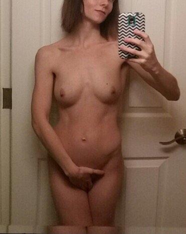 Nude Selfie 9842