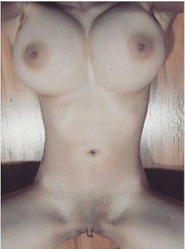 Nude Selfie 9869