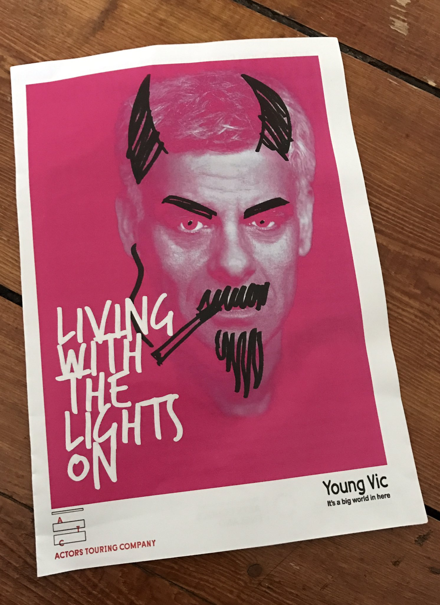 #LivingWithTheLightsOn with @victoria_vardy at @youngvictheatre yesterday. Easily one of the best things I've seen this year. What a story. https://t.co/6P0tQx6E4D