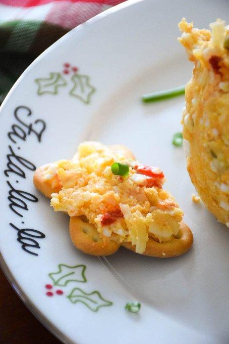 Mom's Cheese Ball Recipe #SundaySupper