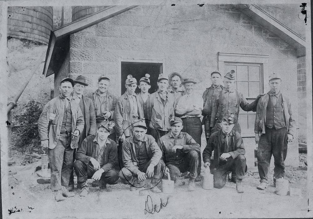 Coal Miners in Avella, Pa., 1920. #MinersDay https://t.co/s6hGby19s3