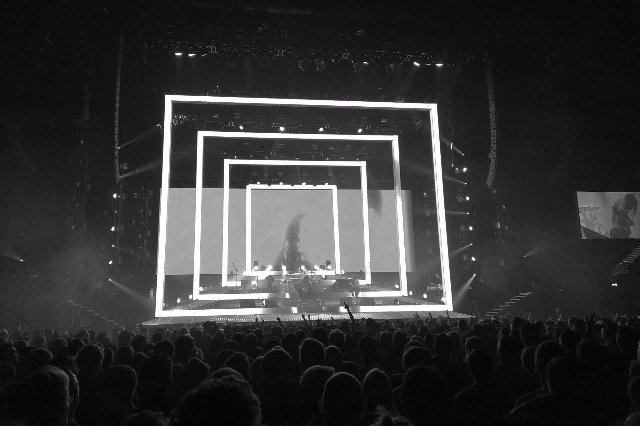 Who has caught Biffy Clyro on their current tour? Manchester was insane!  #BiffyClyro #BrandNewRock #Concert https://t.co/oSURzKrqrB