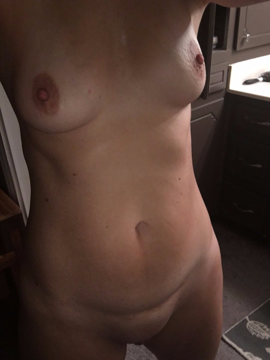 Nude Selfie 9675