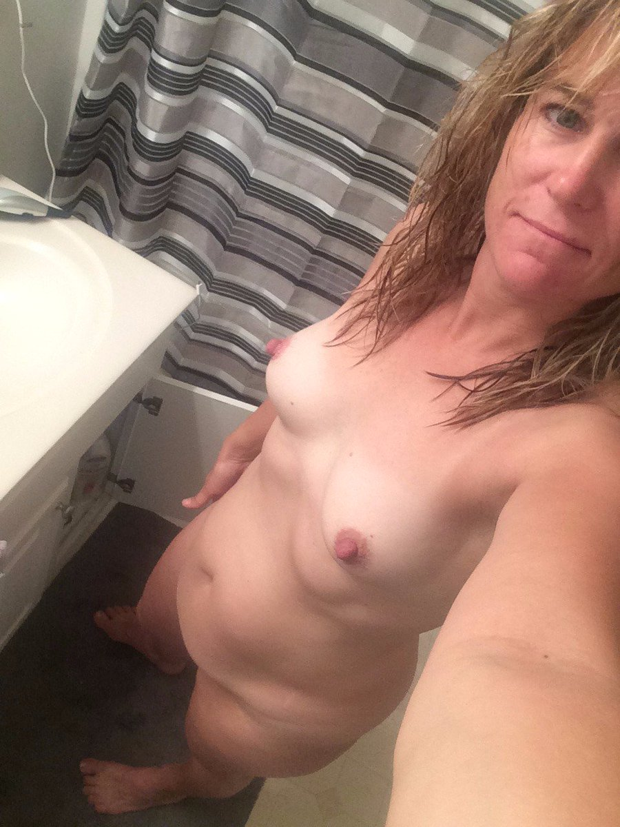 Nude Selfie 9680