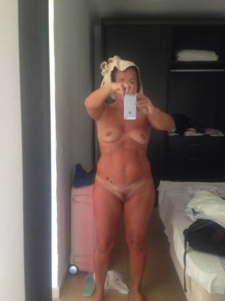 Nude Selfie 9688