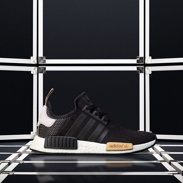 huge selection of 7c864 e74ae  DopeKicks The  adidas Women s NMD R1 is available online now  http   www. citygear.com adidas-womens-nmd.html …pic.twitter.com 1CL2ybNjUu