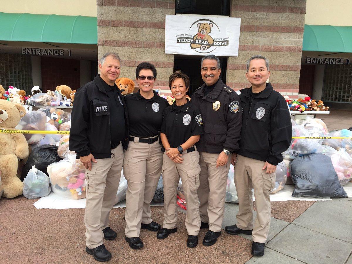 The 26th Annual San Diego Regional Law Enforcement Teddy Bear Drive-December 6, 2016. #SDCDA#CPCA#ThinBlueLine http://pic.twitter.com/os8Qpa4G47