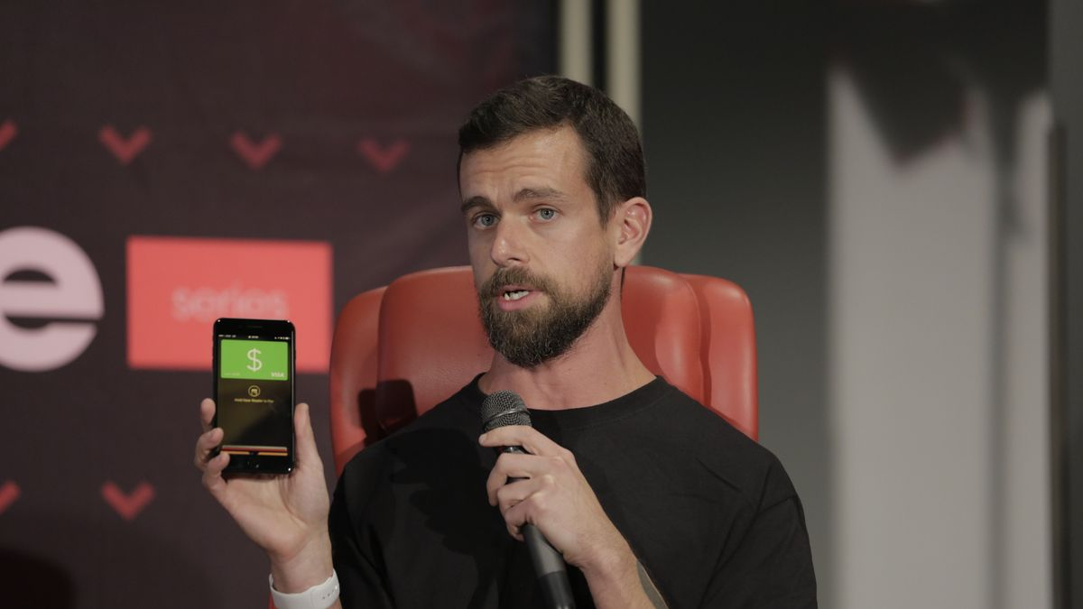 Square's virtual payment cards now work with Apple Pay