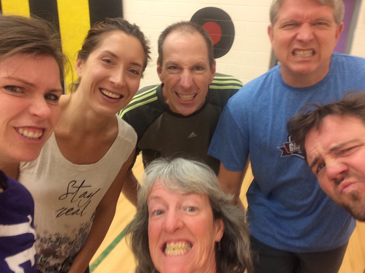 Getting are game on for staff vs students basketball. #tldsblearns #healthytldsb @IrwinM_PS https://t.co/Q9G3umgUON