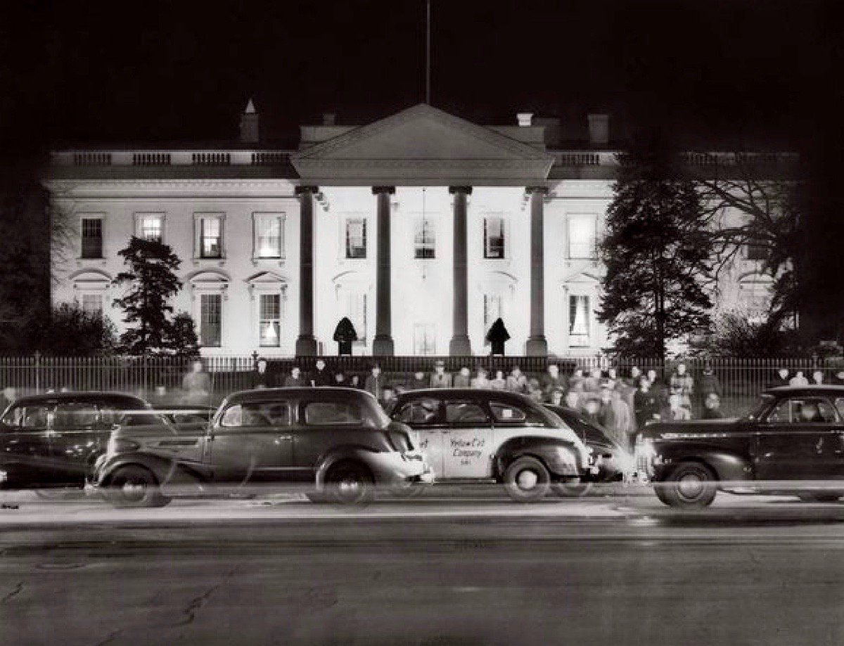 Vigil in front of White House on the evening after Pearl Harbor attack 1941:    #Getty