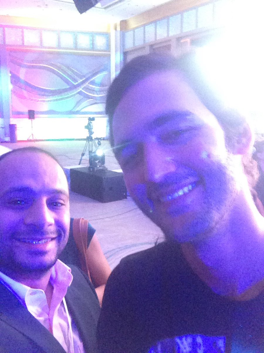 A person who has power energy not only positive. Thanks @JasonSilva for having you today  #knowledgesummit #KnowledgeIndex <br>http://pic.twitter.com/iouTjVQ7Lz