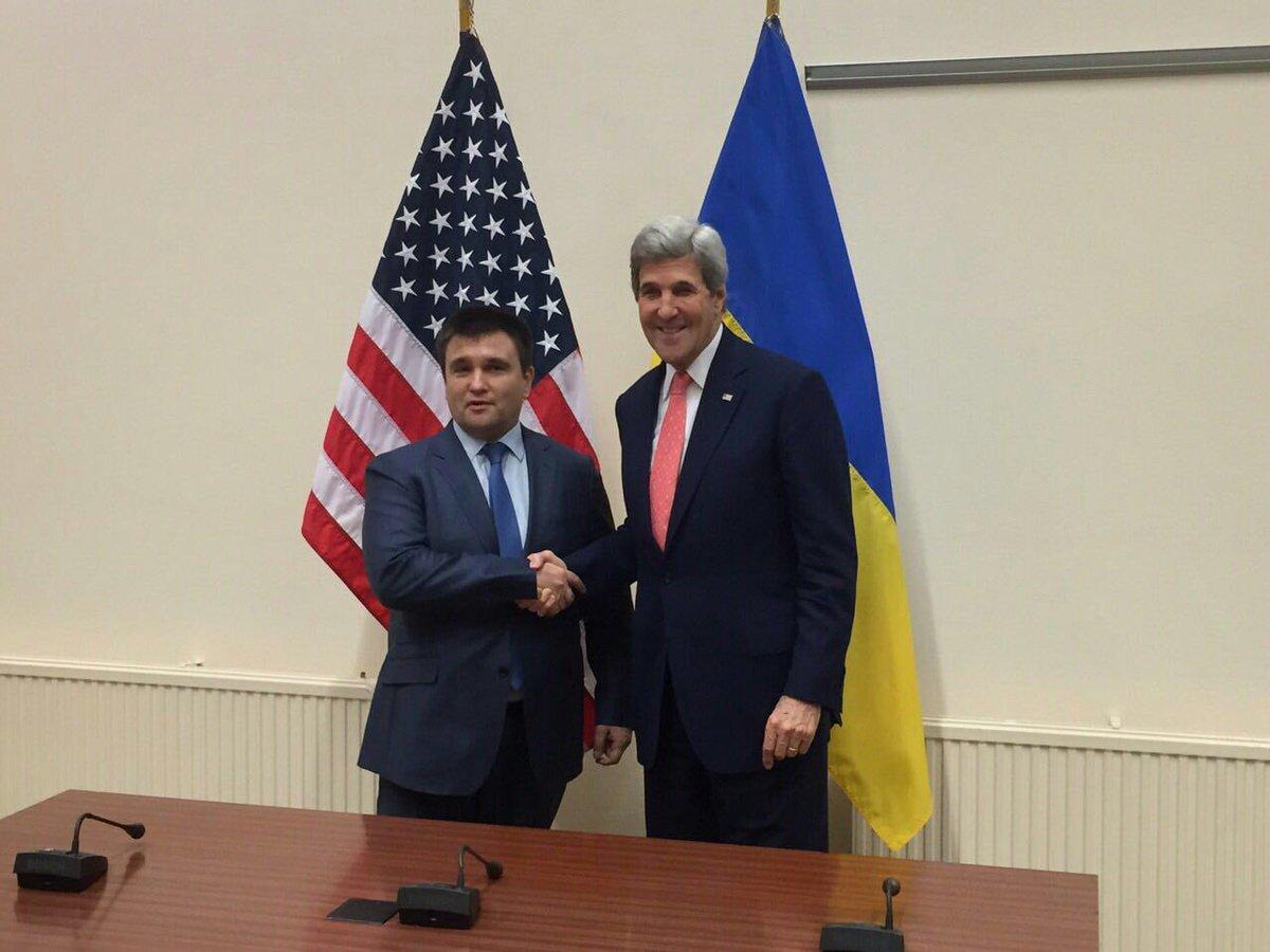 Ukrainian FM @PavloKlimkin met @JohnKerry in Brussels
