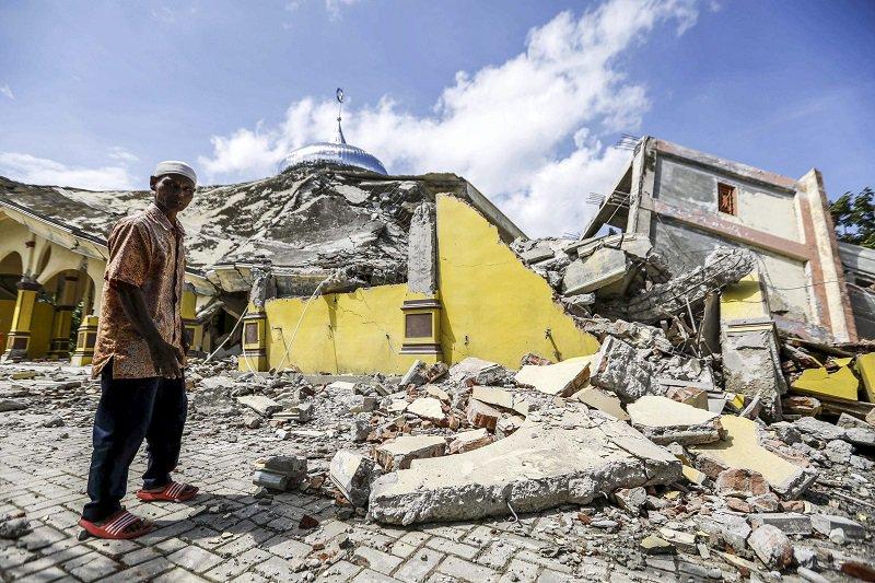 """Terremoti: """"È la Fine del Mondo? Cosa succede alla Terra?"""". Sisma Sumatra (Indonesia) con 100 morti"""