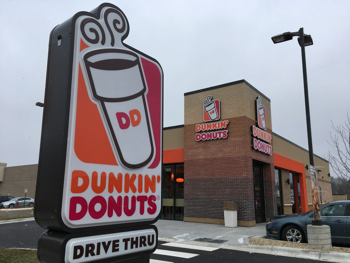 Look what's open: @DunkinMN in New Hope, 42nd and Winnetka. #doughnuts https://t.co/xLsThyb2rv
