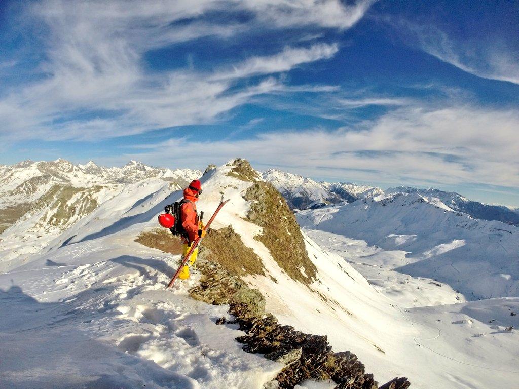 Al lío! Empezamos temporada de remontes, el valle bien tapado de nieve! #1617 #openingdays #noshortcuts