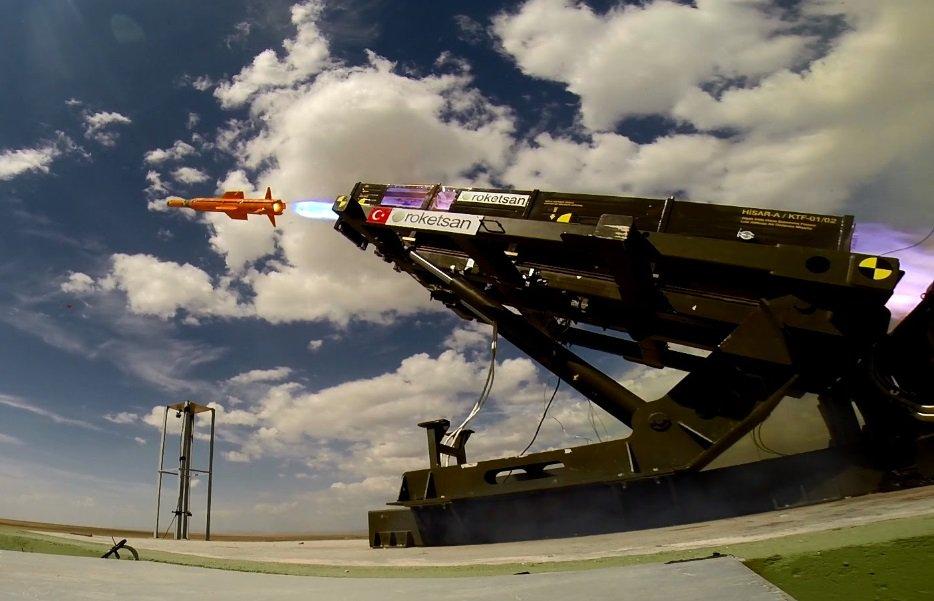"""تجربة تركية ناجحة لإطلاق صاروخ """"حصار"""" أرض جو متوسط المدى CzJRU08VIAAtyQr"""