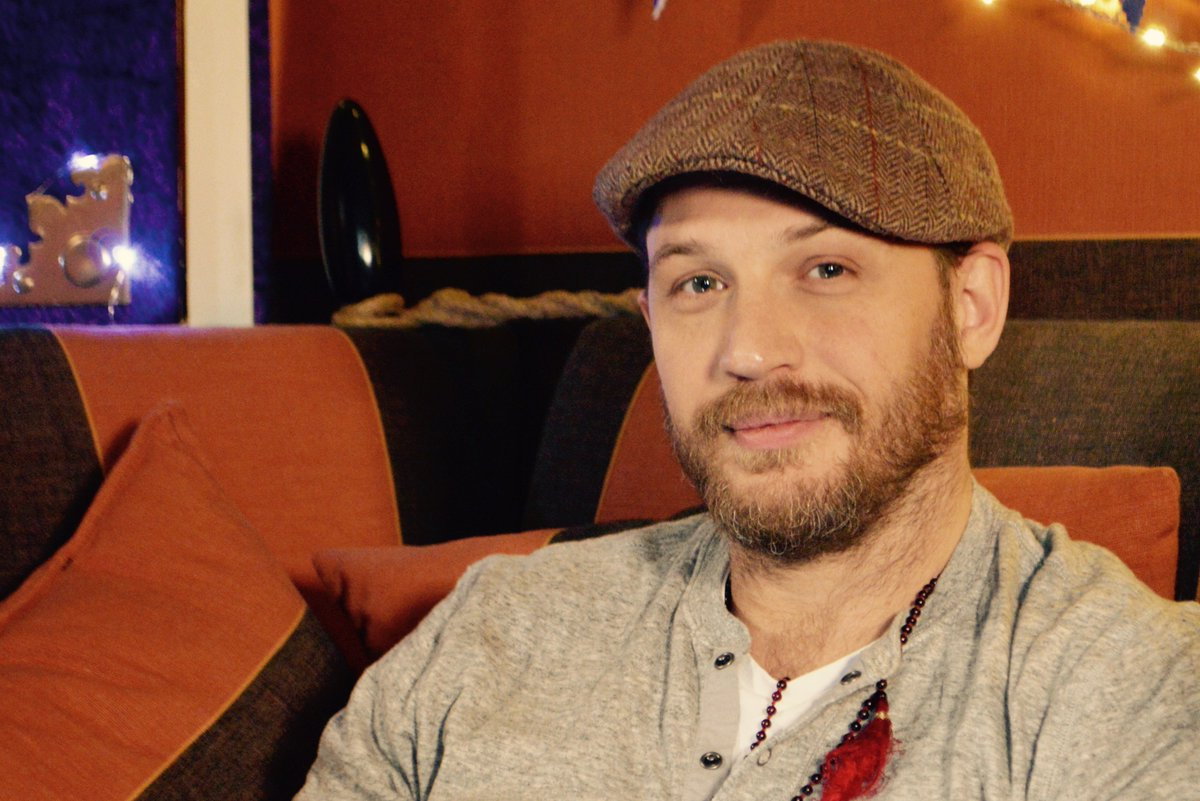 Tom Hardy. Bedtime Story.  New Year's Eve You're welcome. https://t.co/kDqlcsIvOs https://t.co/2rRBlgcCBv