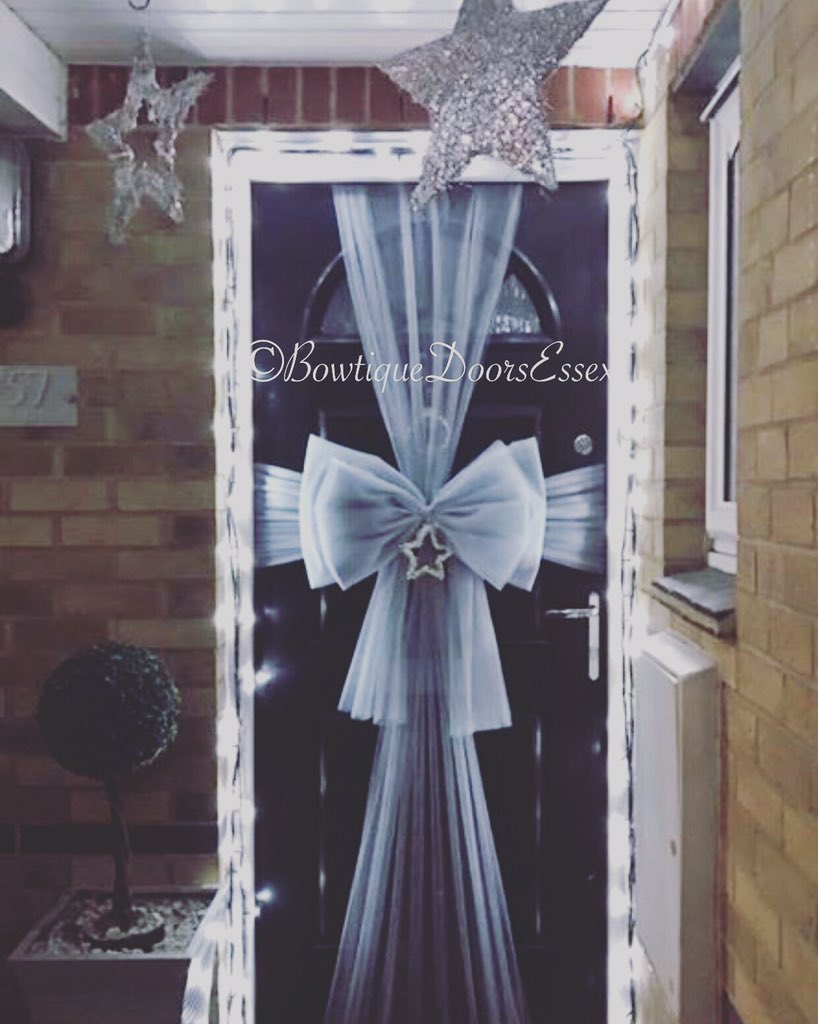 6 Door Bow fittings tomorrow Christmas Red Cherry u0026 Silver #essex #haroldwood #epping #brentwood #doorbows #towiepic.twitter.com/6WkjzcLN04 & Bowtique Doors Essex on Twitter: