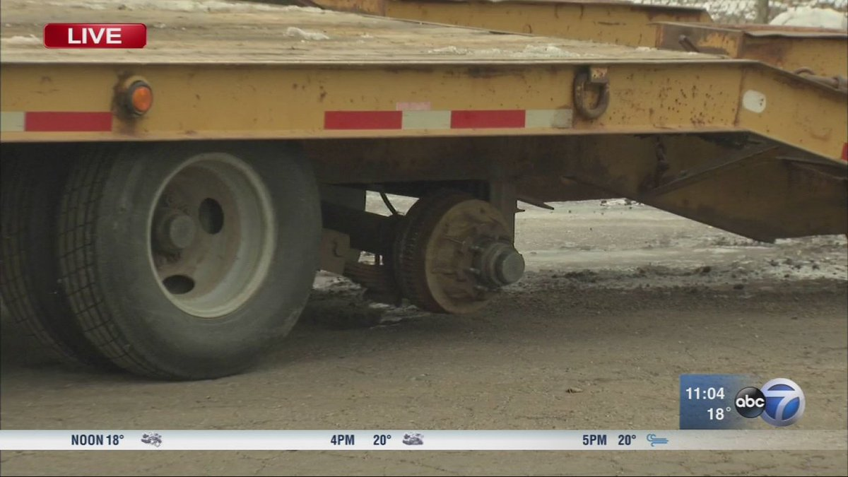 No injuries after 2 tires fly off truck, strike car, Pace bus on Stevenson Expressway
