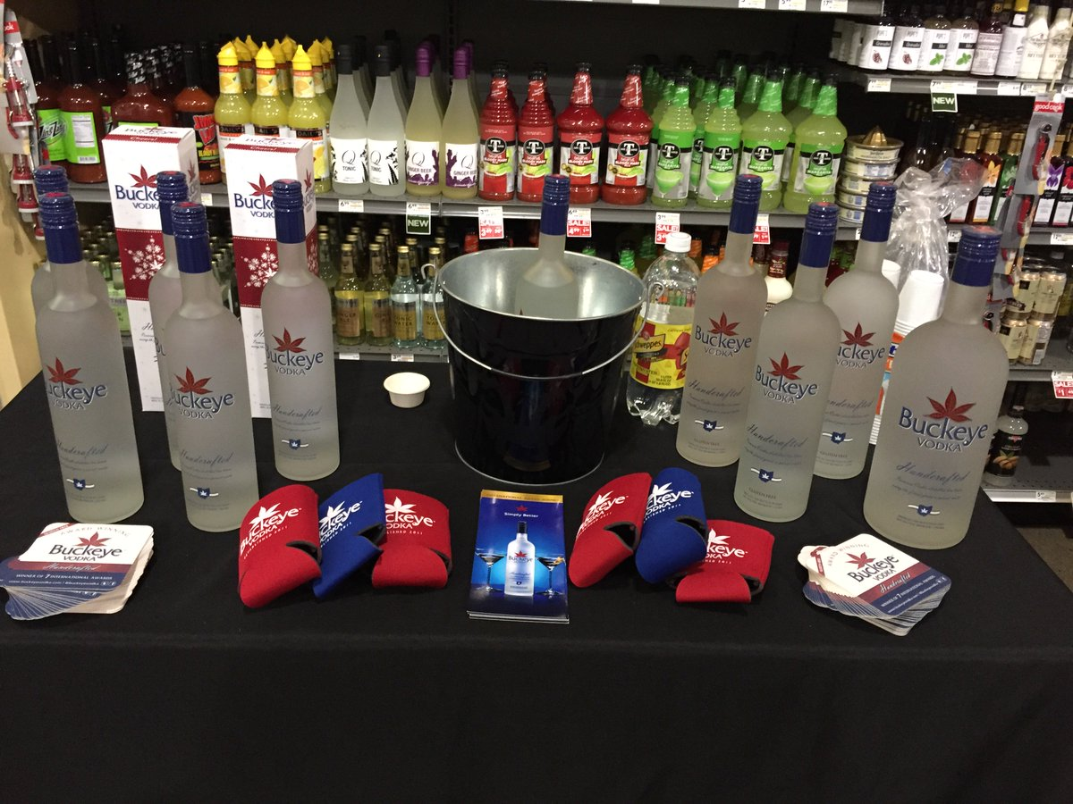 Stop by the #GiantEagle in Solon on Aurora Rd and get a #Taste of #BuckeyeVodka right now 5 - 7 pm https://t.co/999gbXyC8h