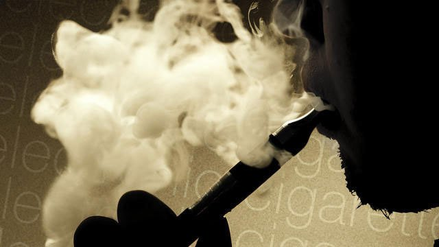 Surgeon General sounding alarm on teens' use of e-cigarettes