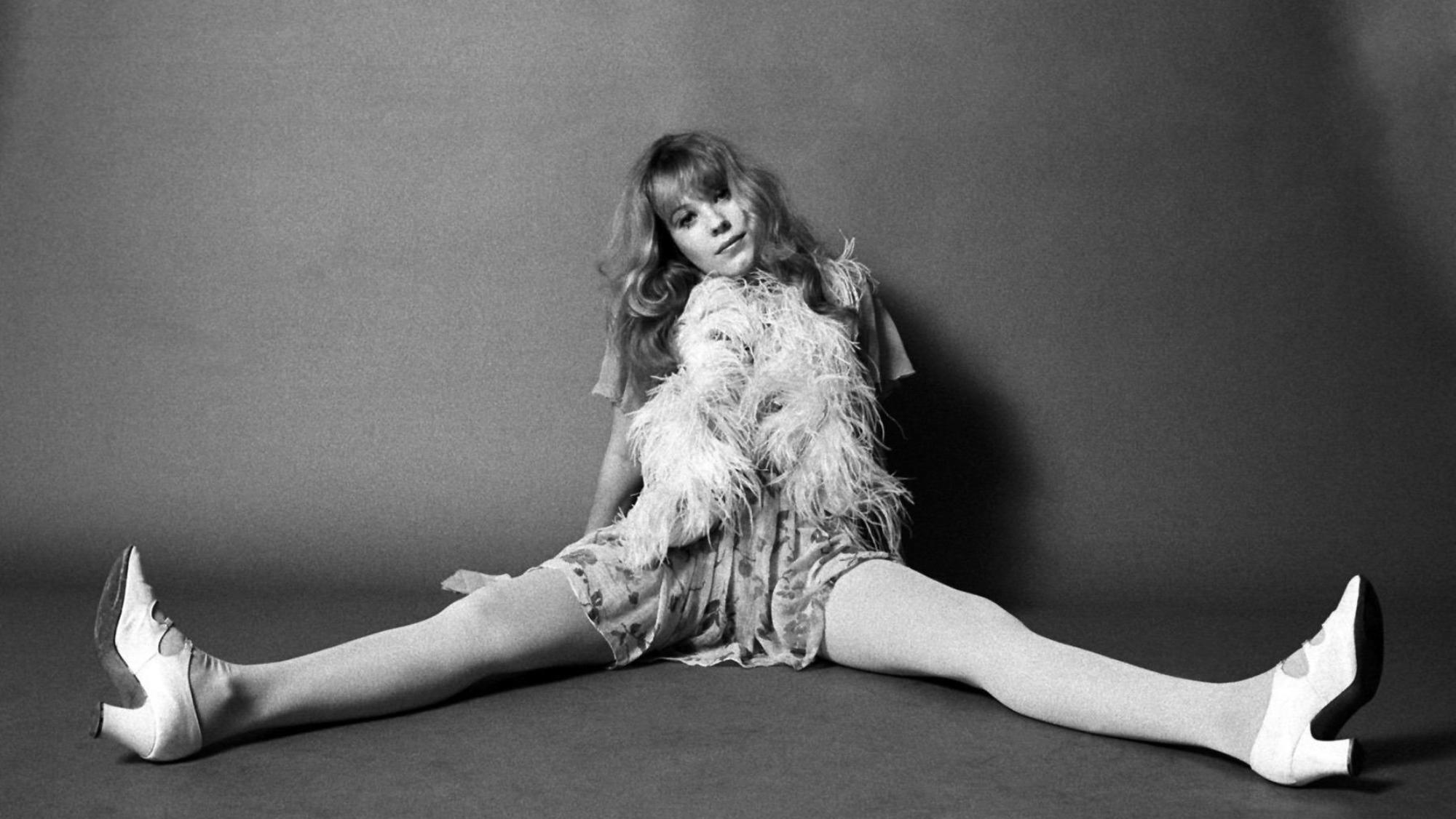 Almost Famous: 'Rolling Stone's 60s portraits of the original groupies https://t.co/nWIDf4CSiA https://t.co/K1DpwI78Uo