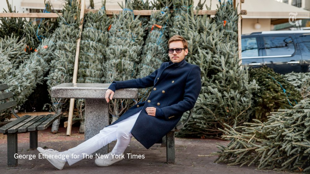 Tree shopping is as good a reason as any to dress well. https://t.co/tuQQ8JAHfg https://t.co/9EZ7whU5vH