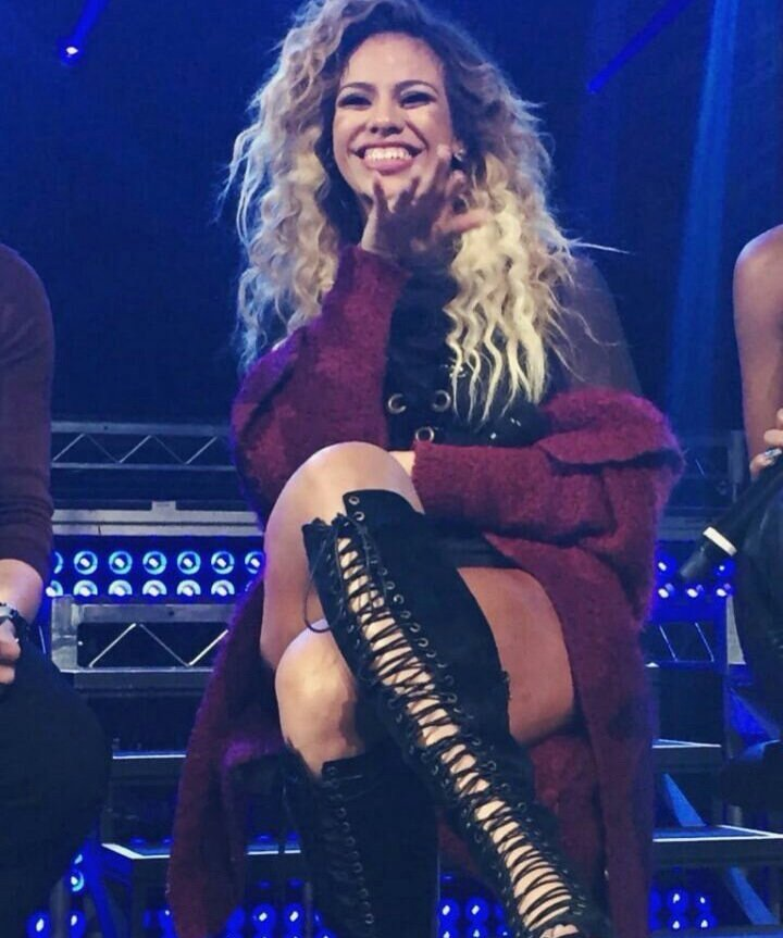 #DinahDeserves all the happiness & love the world has to offer she has the biggest & kindest heart a person can have
