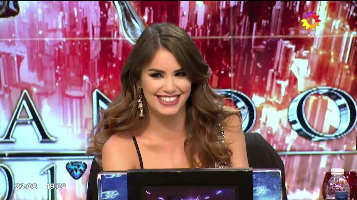 Sin dudas cambio un poco el aire del programa @laliespos en su debut como jurado. #LaliJurado 👏 @cuervotinelli
