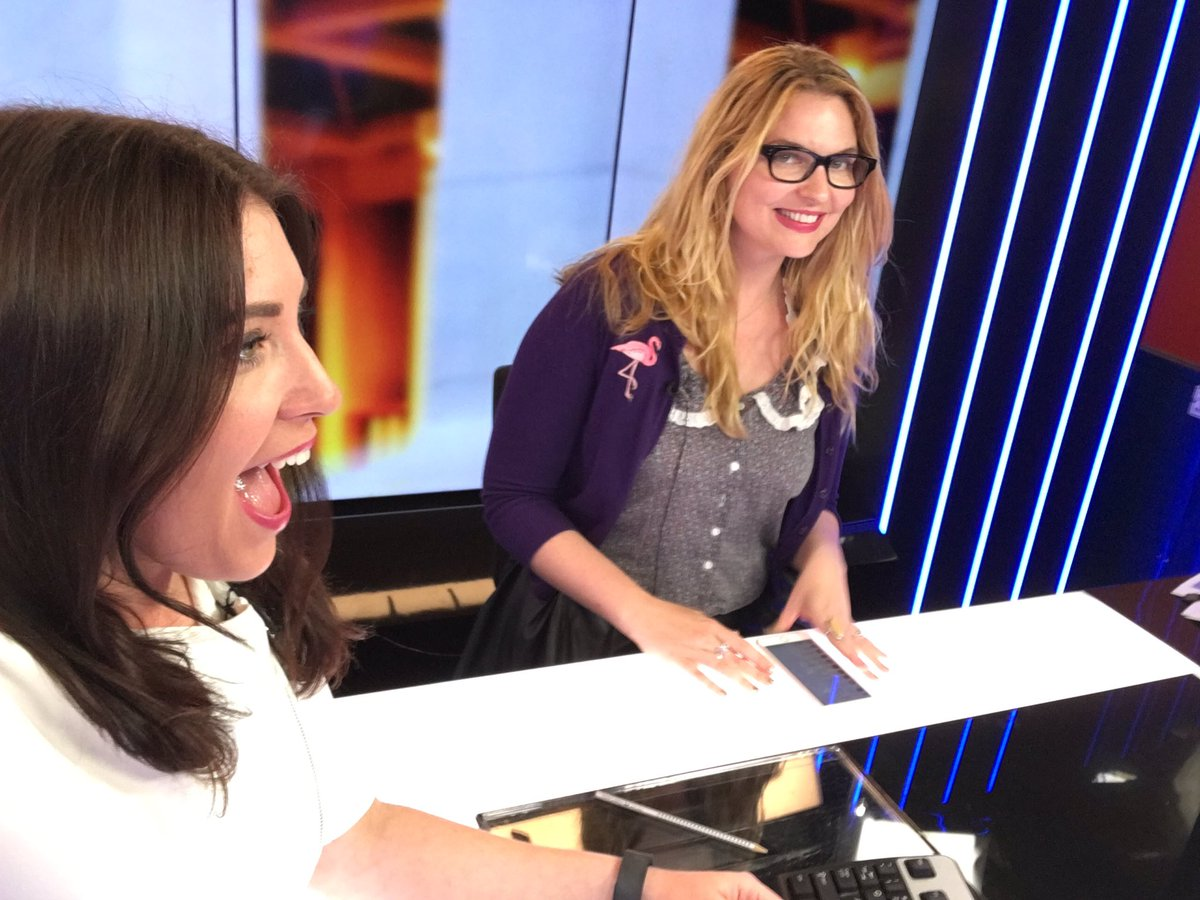 Taking things super seriously in the Sky studio with @AmyRemeikis #auspol #thefridayshow
