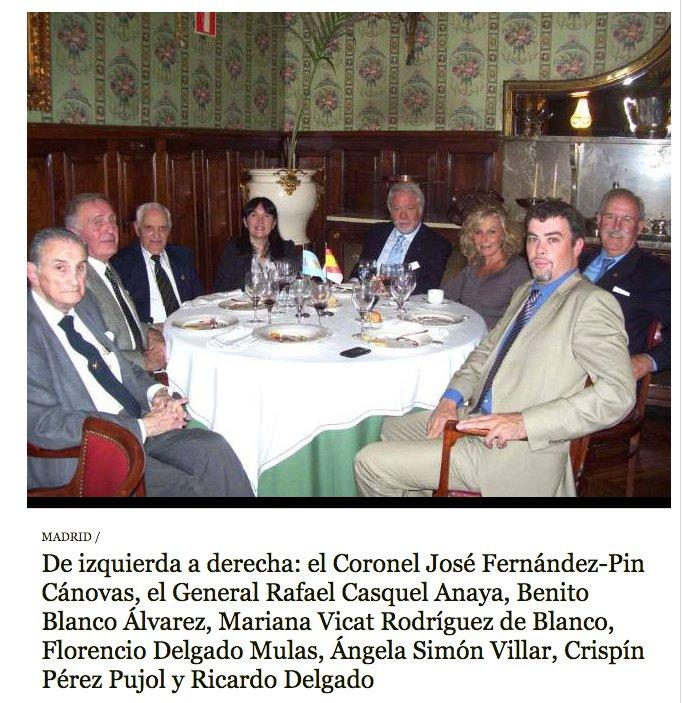 2011: Florencio con unos amigos. https://t.co/FsGi96cWYC