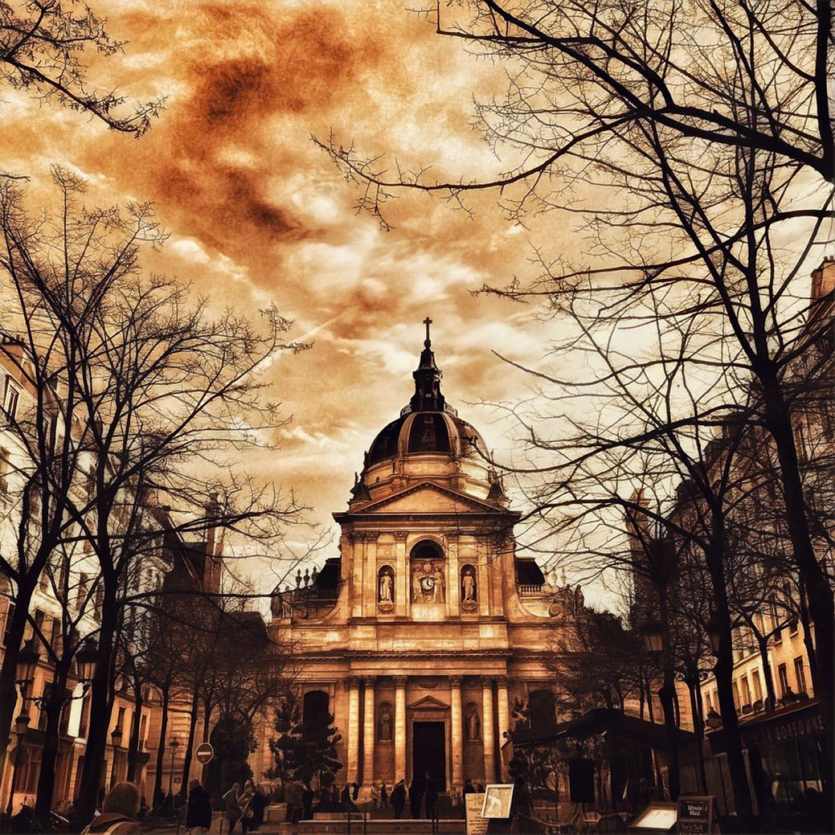 My ex-school   #thecity #paris #lasorbonne #autumn #beauty #autumncolors #facade #architecture #mypic #welcometomyworld<br>http://pic.twitter.com/CHAmdVKlKa