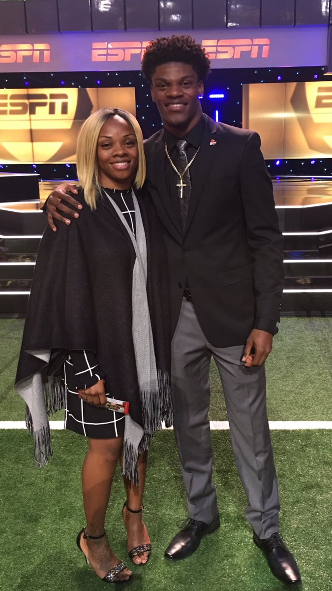 Crumsrevenge On Twitter We Need To Find Out What The Hell Russ Smith S Dad And Lamar Jackson S Mom Drink To Stay This Youthful They Look Like Siblings Https T Co Rfihg7lf2s