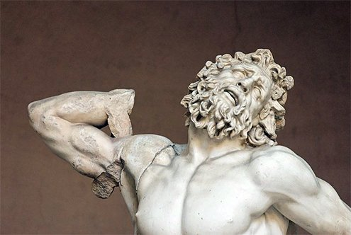 Finalmente, se encontró el brazo doblado que se expone junto a la escultura.  #storart1  #MGP https://t.co/fzx7NNNb1D