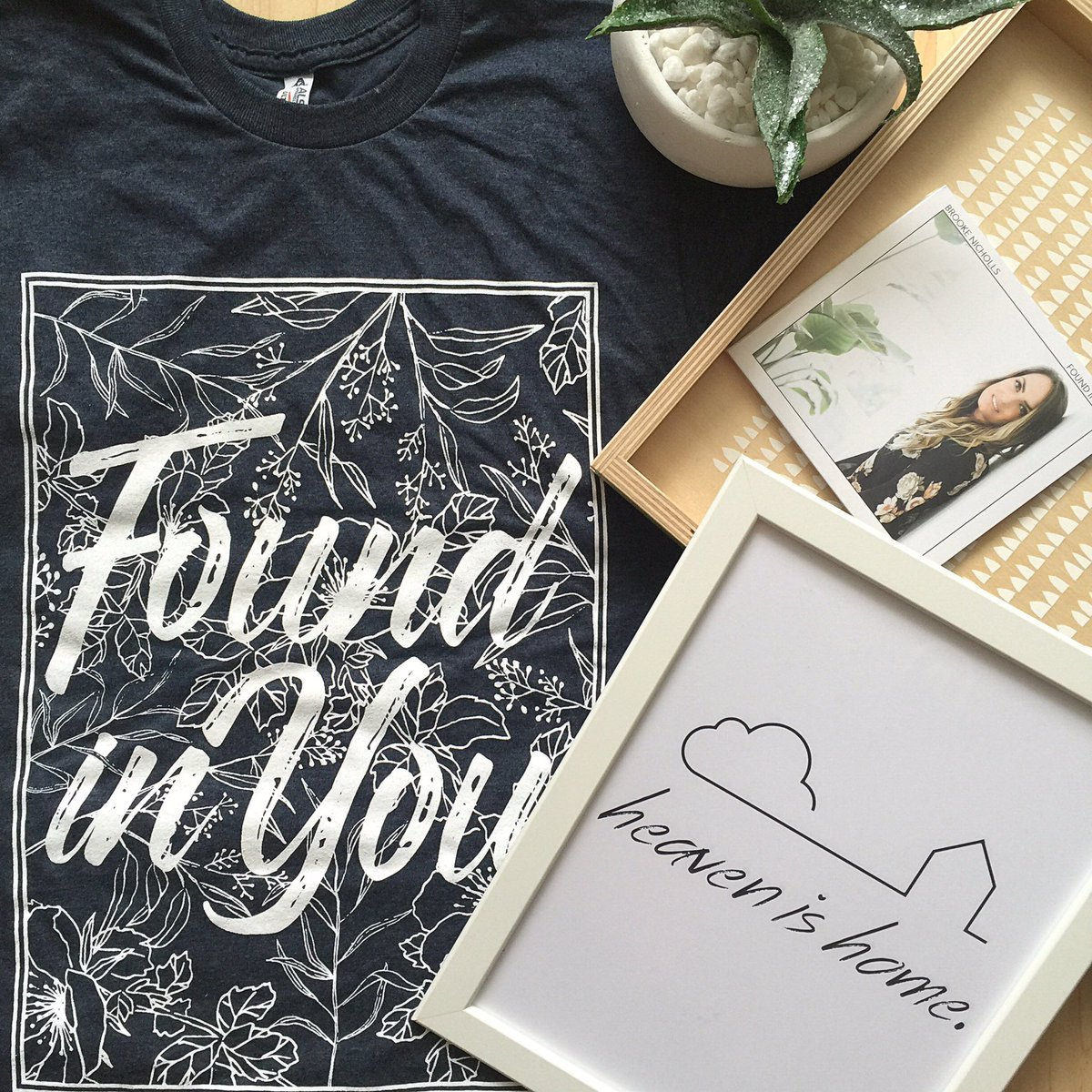 GIVEAWAY! // RETWEET this for a chance to win a copy of my NEW 'Found In You' album, shirt and print! Xx