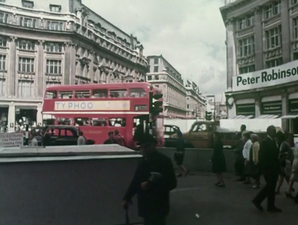CzQk T3XcAIjVrl - Construction Of Oxford Circus Station 1962-69 #2
