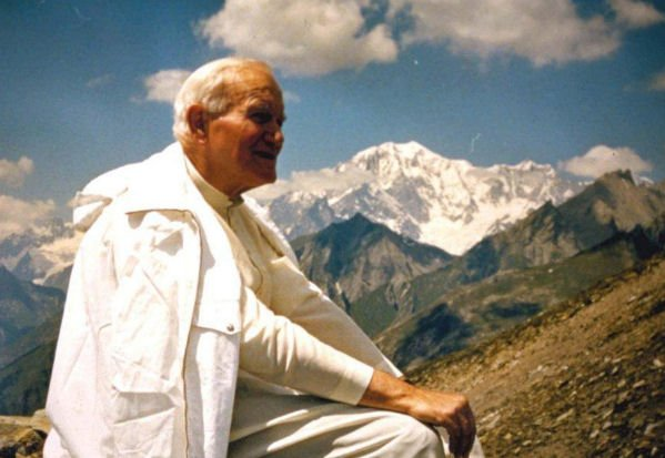La libertà non consiste nel fare ciò che ci piace,ma nell'avere il diritto di fare ciò che dobbiamo. Papa Giovanni Paolo II