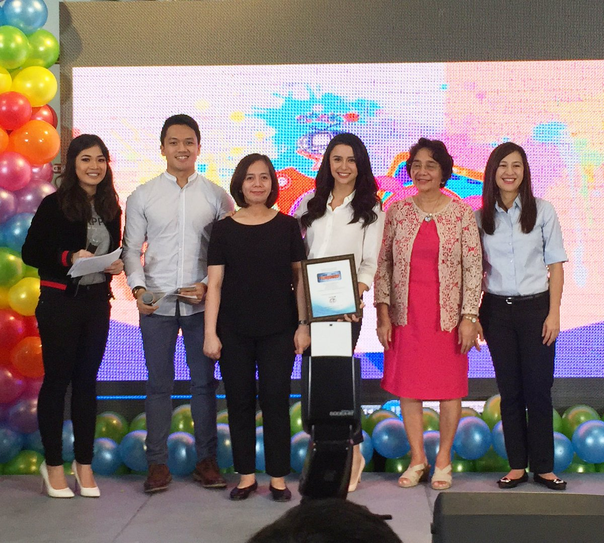 dreamscape on twitter ms dagang vilbar production manager of fpjsangprobinsyano and yassizzle received the award at the anak tv awards - Fashion Production Manager
