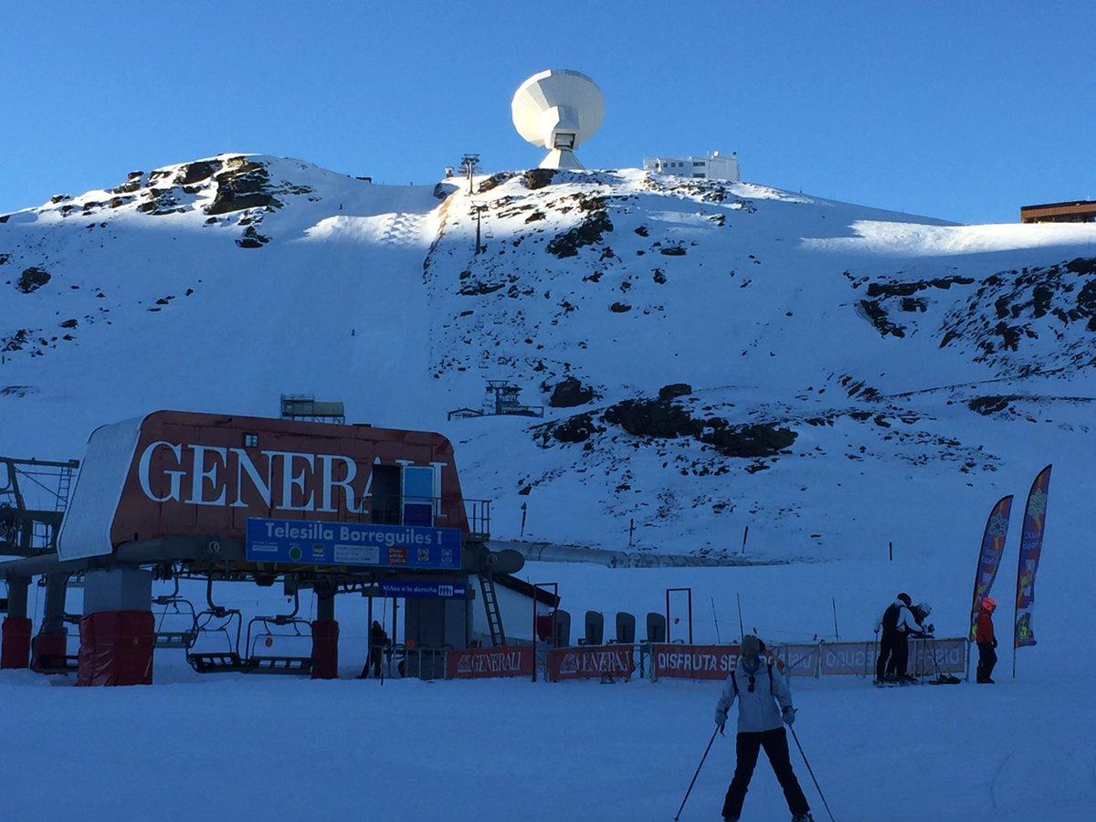 Ya empieza la actividad en Sierra Nevada los más madrugadores tienen su recompensa, pistas vacías y nieve excelente👌👌