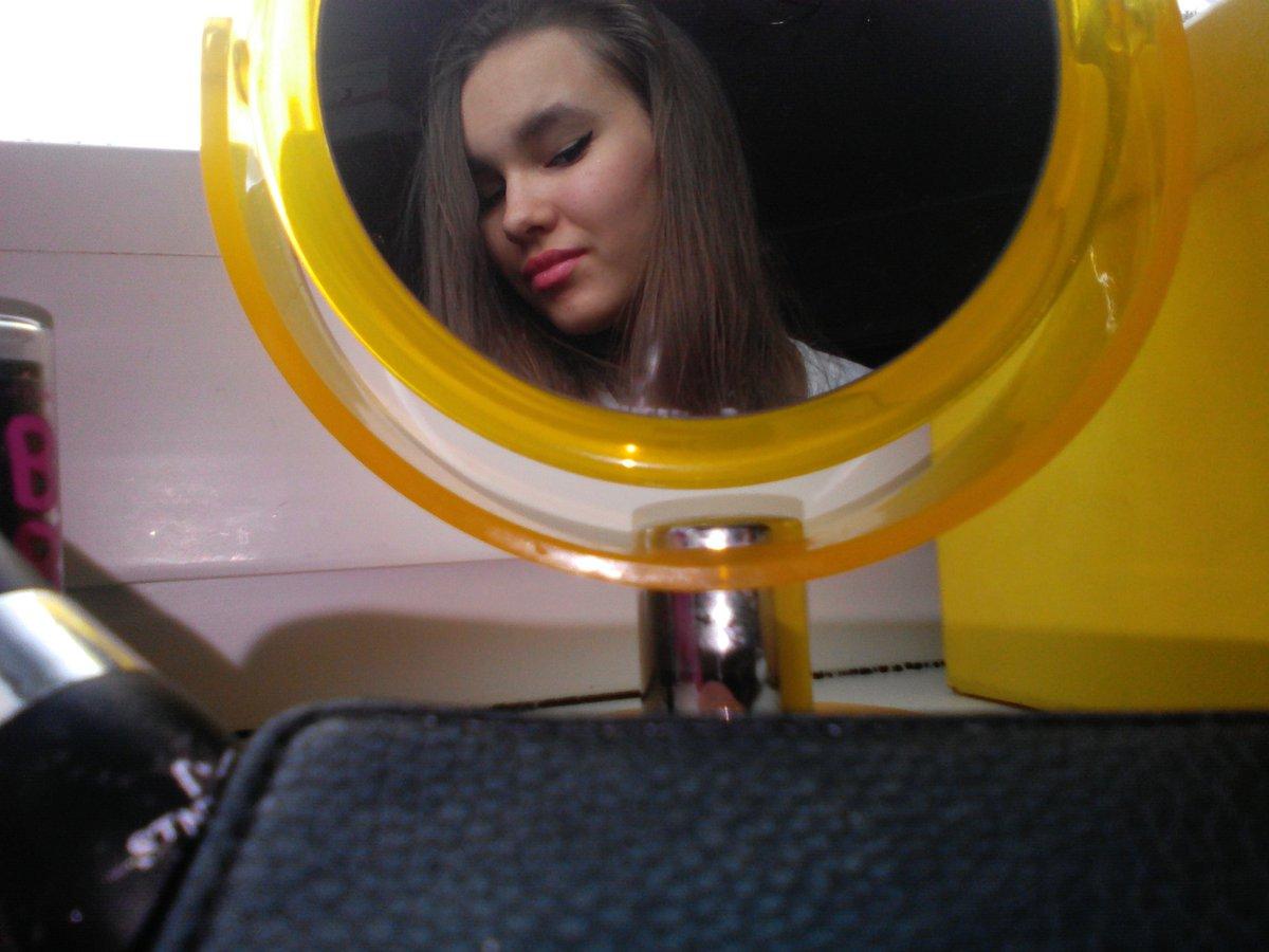 почему фото в зеркале лучше небольшое