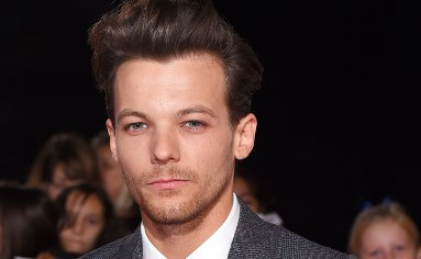 1D's Harry Styles, Niall Horan and Liam Payne 'attending tonight's X Factor to support grieving Louis Tomlinson' https://t.co/BnLButuvp6