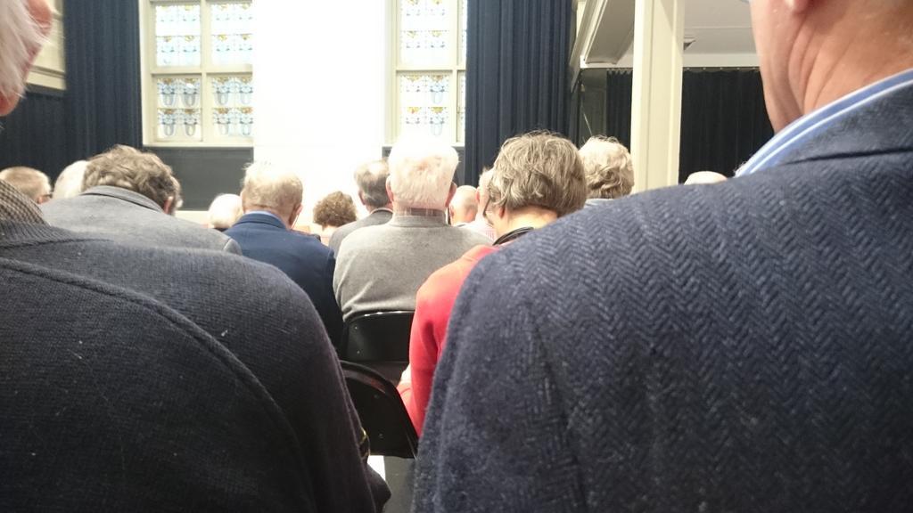 Bomvolle Pvda bijeenkomst in Utrecht over hoe mensen oud willen worden. https://t.co/K8ElyAtzqJ