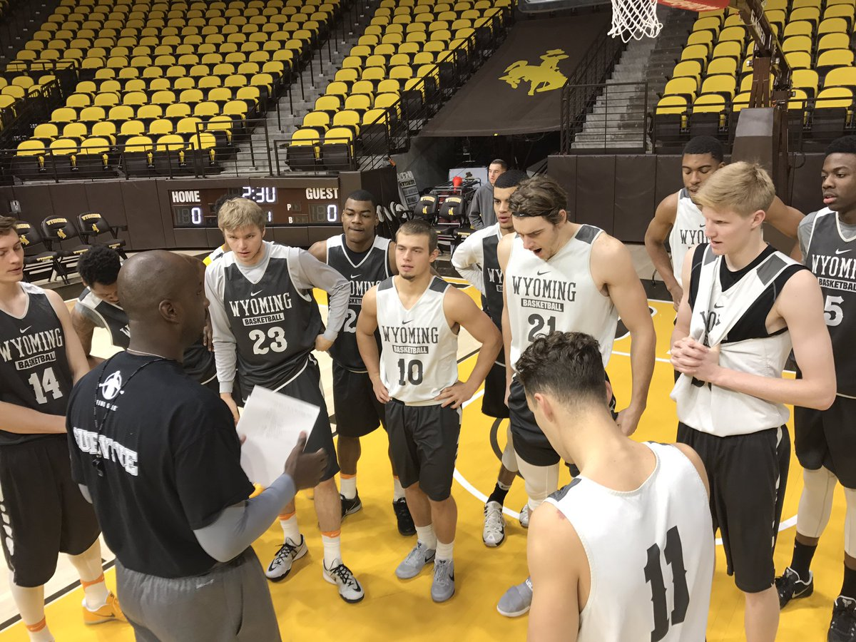 """wyoming cowboy basketball on twitter: """"inside look from shoot around"""