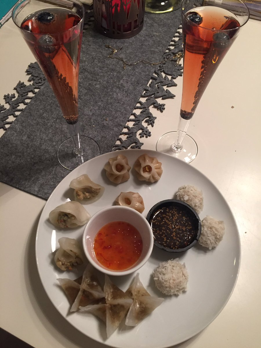 Laura Reynolds On Twitter Party Food For 2 Loving The
